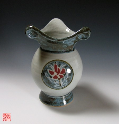 Maru Kamon Vase by Kawai Tōru: click to enlarge