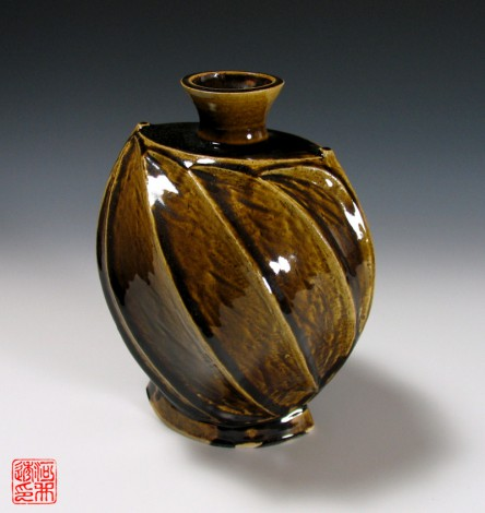 Ame-yū Mentori Vase by Kawai Tōru: click to enlarge