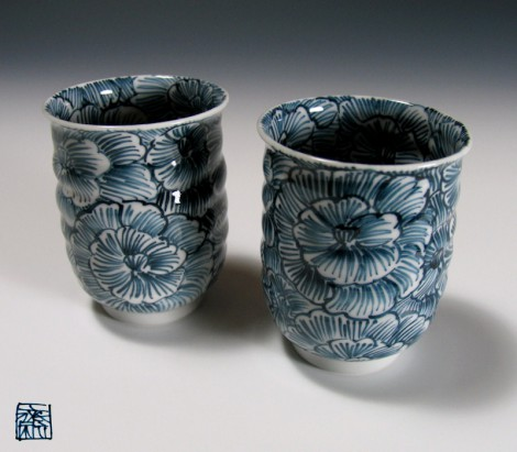 Peony Green Tea Cup Set by Murata Tetsu: click to enlarge