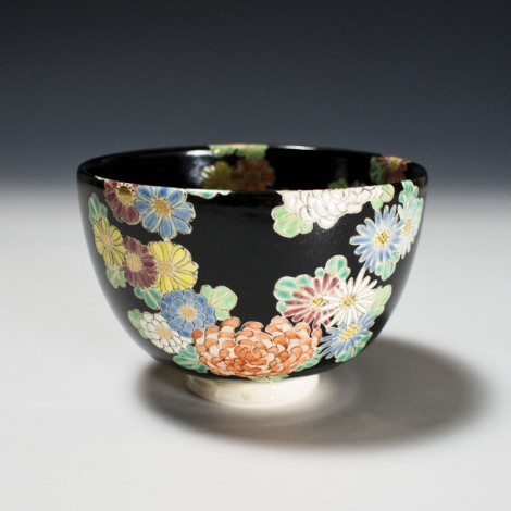Kiku Tea Ceremony Bowl by Kotoura Kiln: click to enlarge